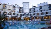 Хотел и басейни привечер
