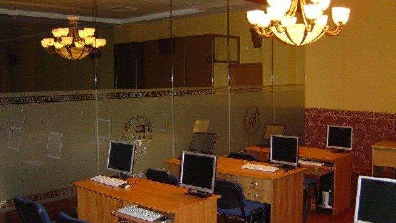 Зала с компютри