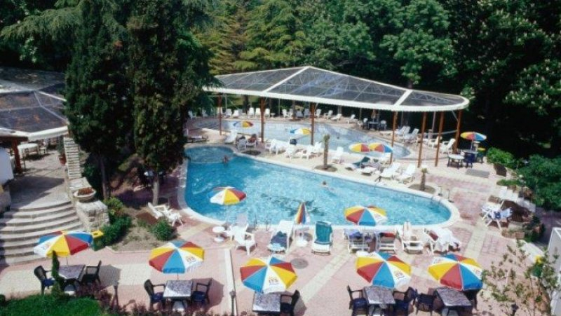 Външен басейн