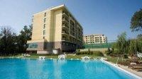 Хотел и басейни