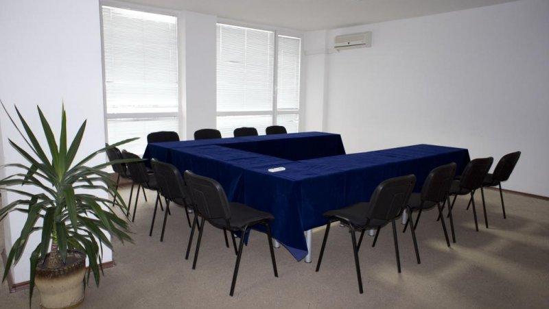 Конферентна стая