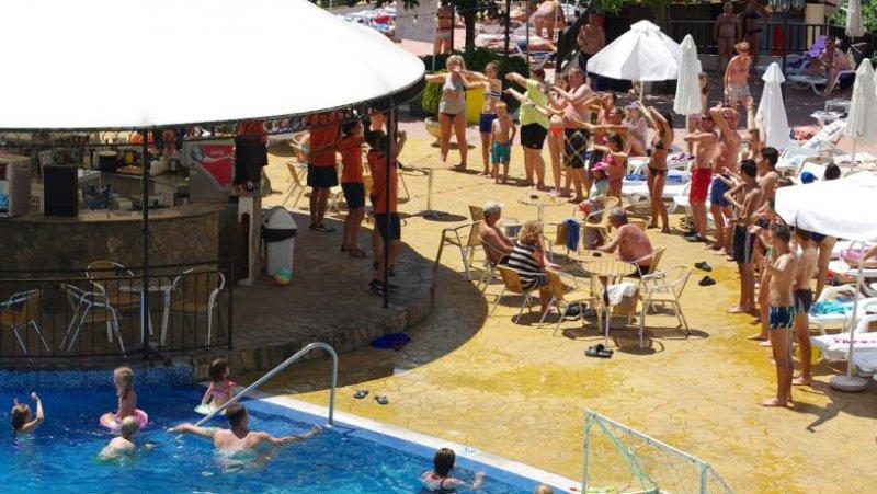 бар на басейна